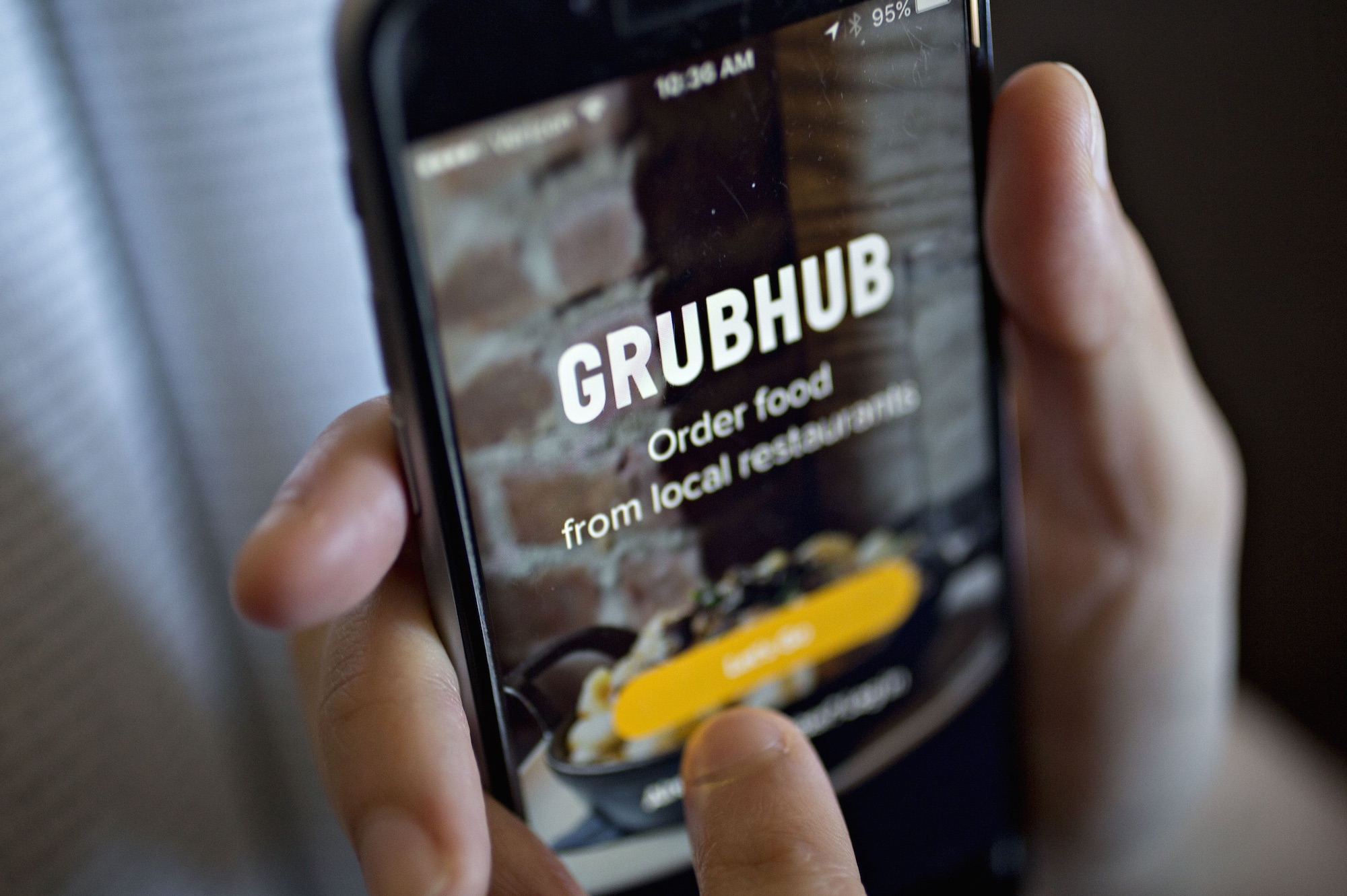 Watch While Eat24 may have a larger market share of deliveries than Uber, it still lags behind on consumer awareness. 12 of customers have heard of UberEats compared to Eat24s 10 or Postmates 7. And that harkens back to the threat Morgan Stanley identified early: Uber and Amazon must be watched given their brand loyalty video