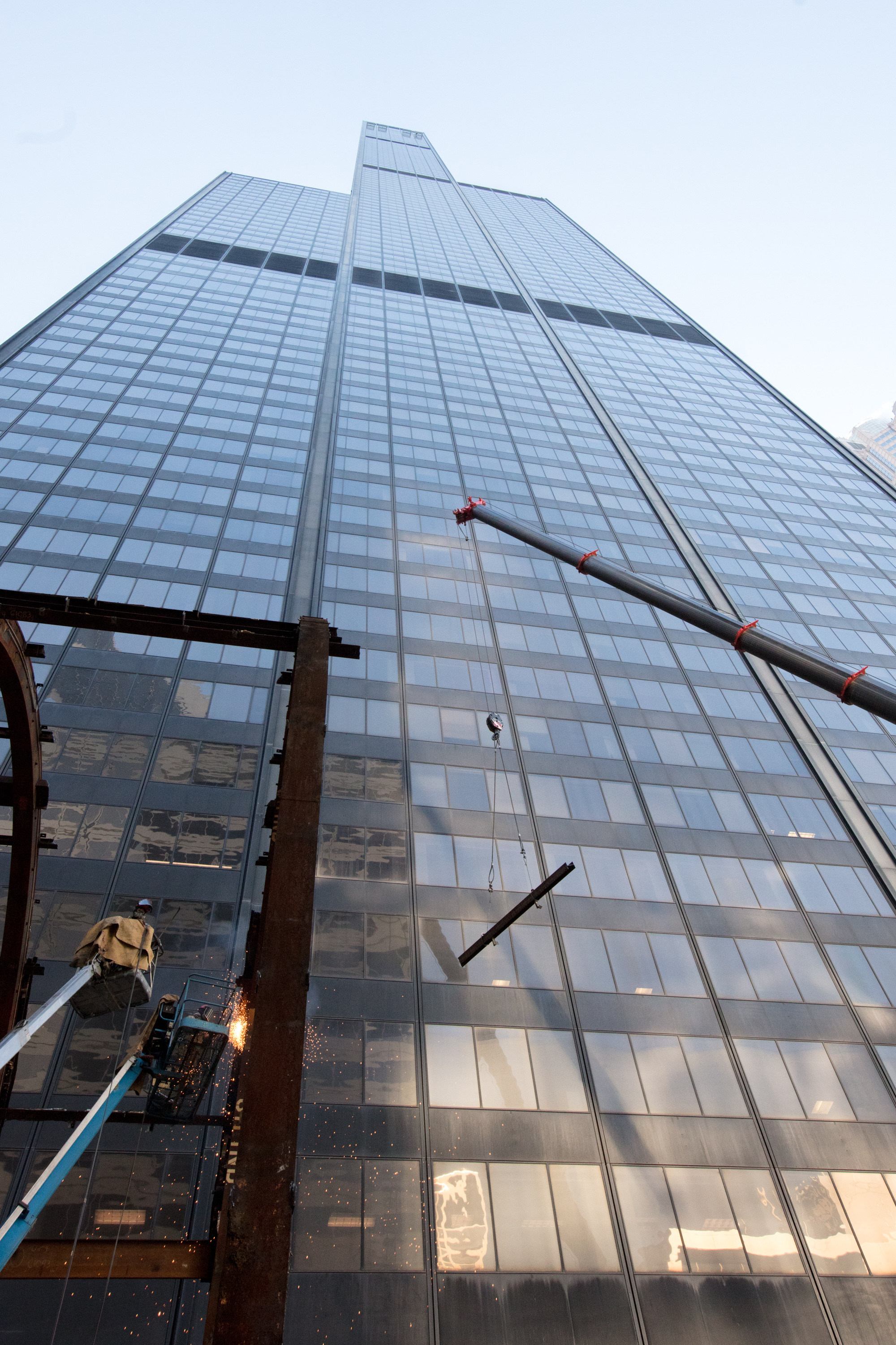 willis tower signs another lease with morgan stanley