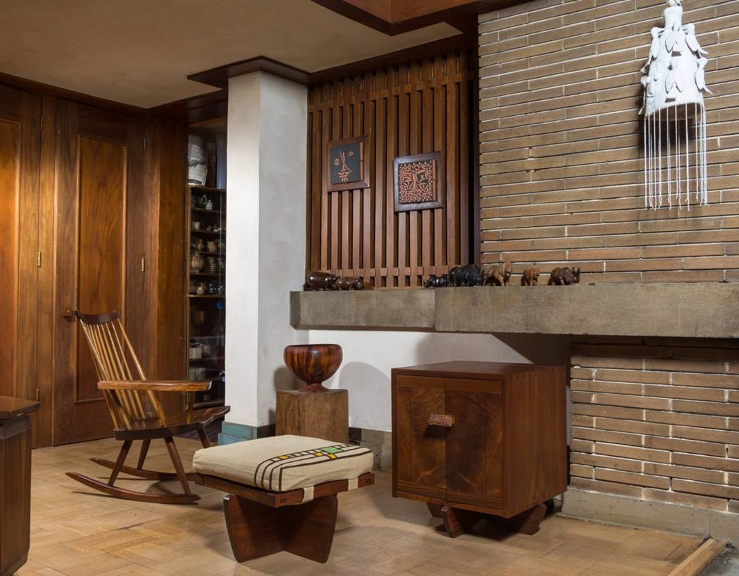 Legendary Midcentury Furniture Designeru0027s Work Auctioned