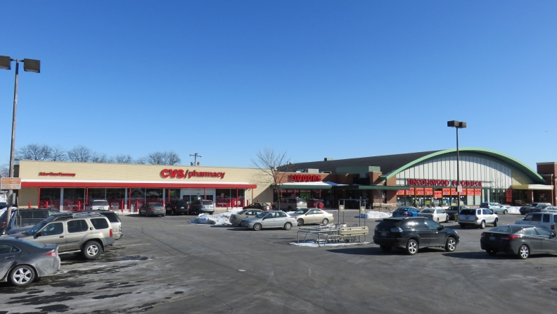 binny s to open in lincolnwood center with a cvs